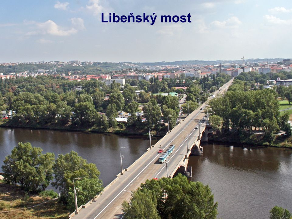 """Negrelliho viadukt (nazývaný též Karlínský viadukt, dříve viadukt Společnosti státní dráhy) spojuje Masarykovo nádraží v Praze (původně """"nádraží Společnosti státní dráhy ) přes ostrov Štvanici s Bubny."""