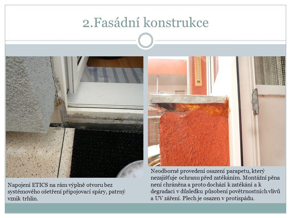 5.Okna v rohových sestavách Příklad chybě osazené sestavy okna a balkonových dveří – není osazena v rovině Chybí těsnění mezi rámem a podkladním profilem, kde může při deformaci docházet ke zvýšené infiltraci chladného vzduchu z exteriéru a tím k snížení tepelně izolačních vlastností – vzniká tepelný most.