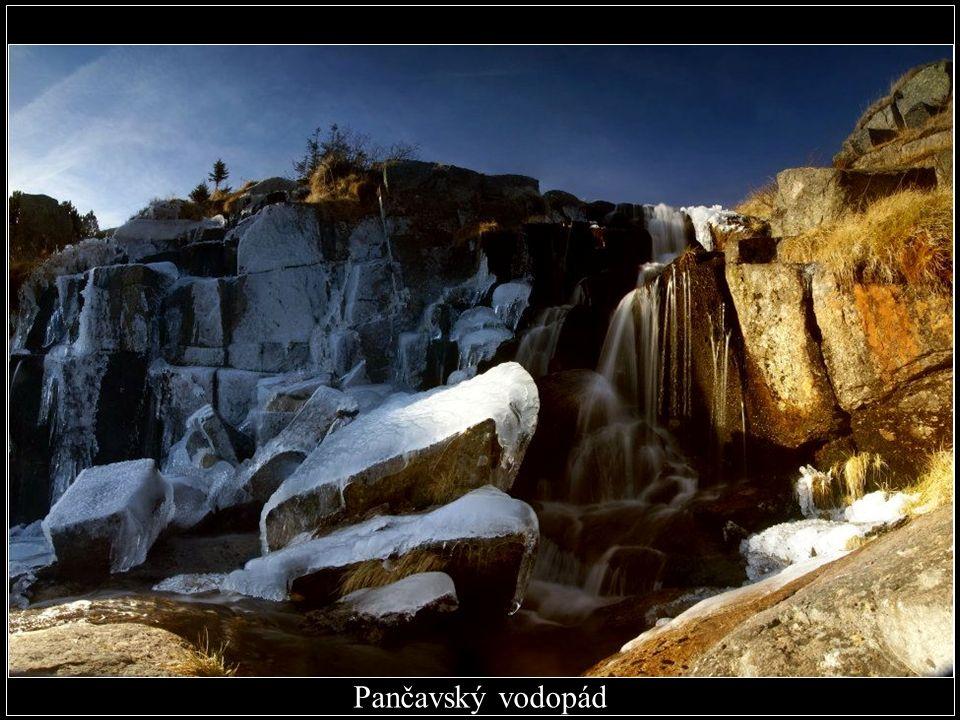Nejvyšší vodopád: Pančavský vodopád v Labském dole v Krkonoších, 148 m. (okres Trutnov)