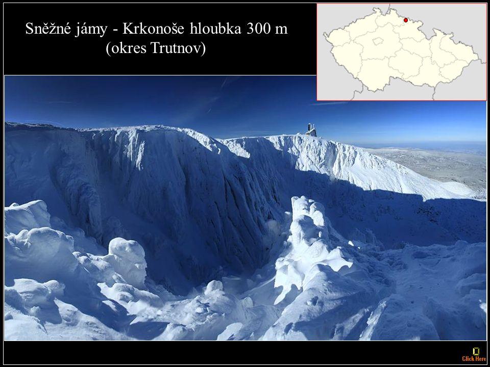 Nejhlubší propast: Hranická propast, u města Hranice, nedaleko Teplic nad Bečvou; hloubka nezatopené části je 69,5 m, celková hloubka není známa, minimálně však 275 m.