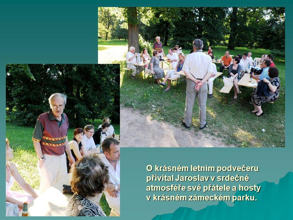 Prezident Tomáš Holub pak přivítal v našich řadách nového člena Rotary klubu Plzeň – ing.