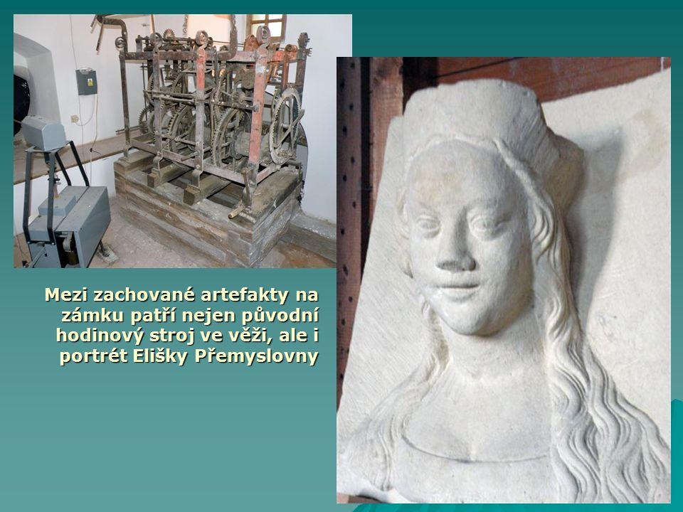 Mezi zachované artefakty na zámku patří nejen původní hodinový stroj ve věži, ale i portrét Elišky Přemyslovny