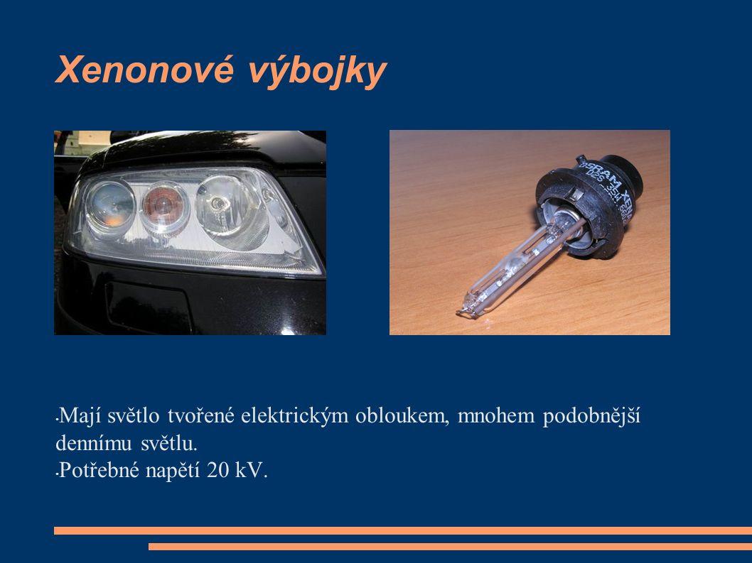 Bi – xenonové světlomety Používají jednu výbojku pro tlumené i dálkové světlomety.