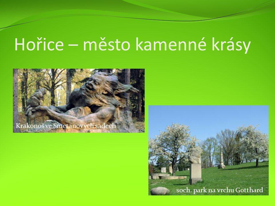 Hořice – město kamenné krásy soch. park na vrchu Gotthard Krakonoš ve Smetanových sadech