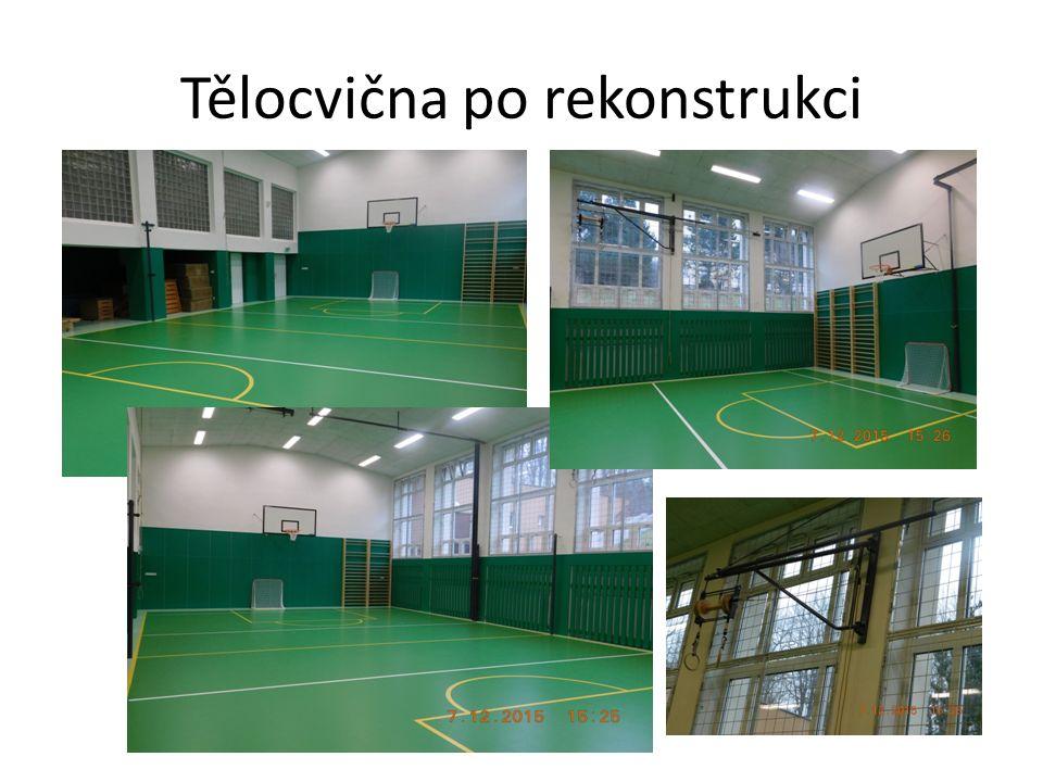 Tělocvična před v průběhu prací a po V rámci stavby došlo k odstranění stávající gumové podlahy, dřevěných obkladů, otopných těles.