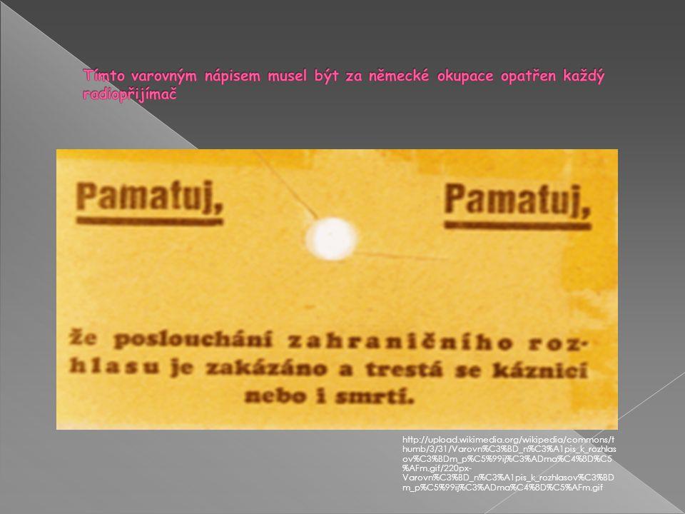  Po složitých počátcích vysílání českého rozhlasu z vysílače ve Kbelích se studio několikrát stěhovalo a potýkalo s obtížnou finanční situací. Roku 1