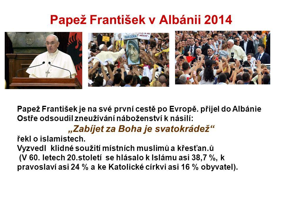 Papež František je na své první cestě po Evropě.