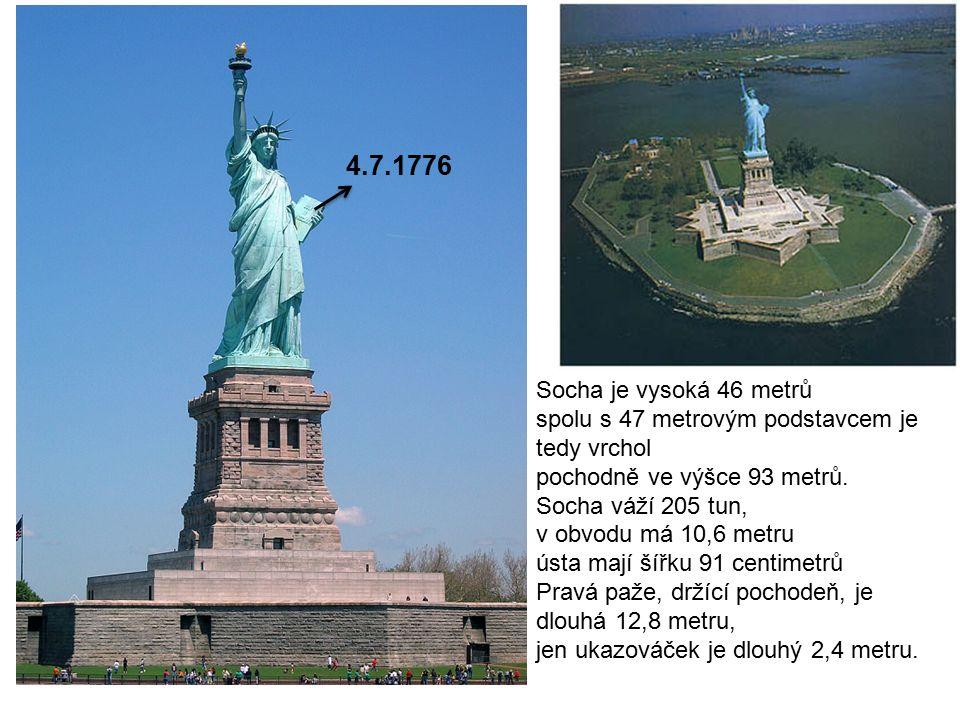 Socha je vysoká 46 metrů spolu s 47 metrovým podstavcem je tedy vrchol pochodně ve výšce 93 metrů.