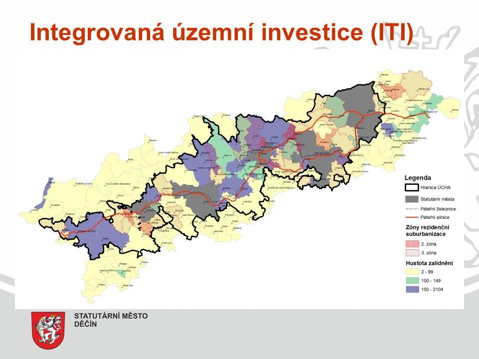 Integrovaná územní investice (ITI) - jeden z integrovaných nástrojů - rozvoj metropolitních oblastí, kam se dle Strategie regionálního rozvoje ČR 2014-2020 řadí také Ústecko- chomutovská aglomerace - území statutárních měst Ústeckého kraje + funkční zázemí - rezervování finančních prostředků na integrované projekty - žadateli nebudou pouze města, ale také dopravní podniky, univerzity, NNO atd.