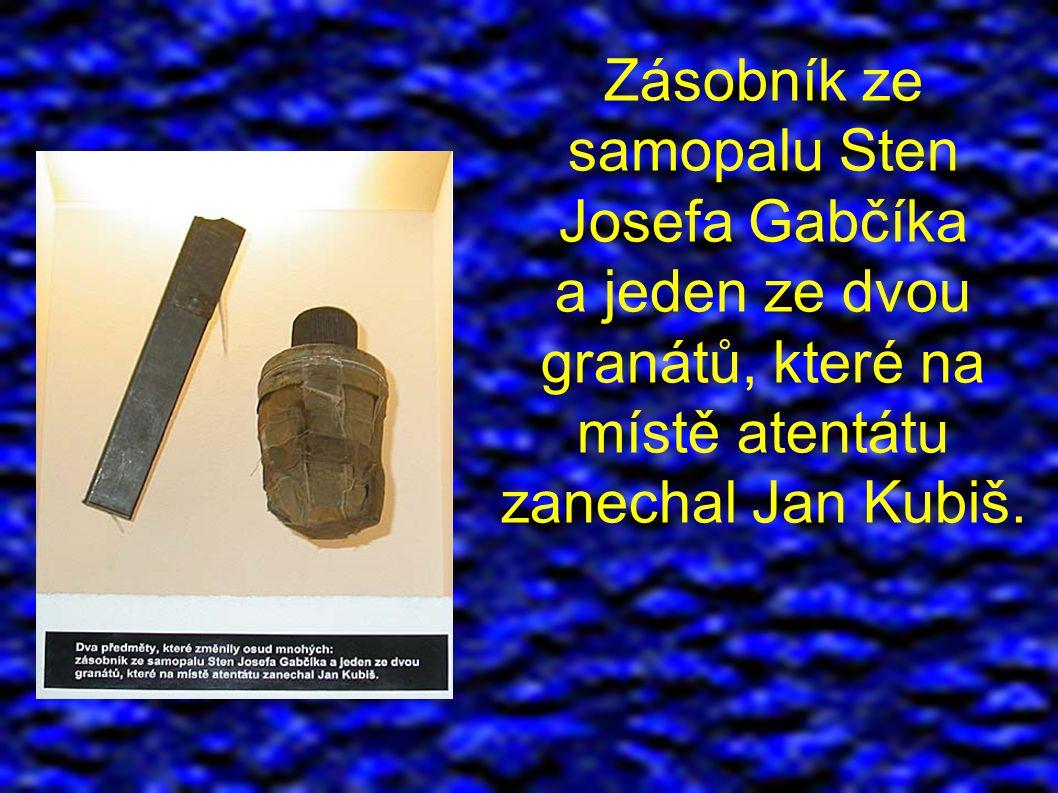 Zásobník ze samopalu Sten Josefa Gabčíka a jeden ze dvou granátů, které na místě atentátu zanechal Jan Kubiš.
