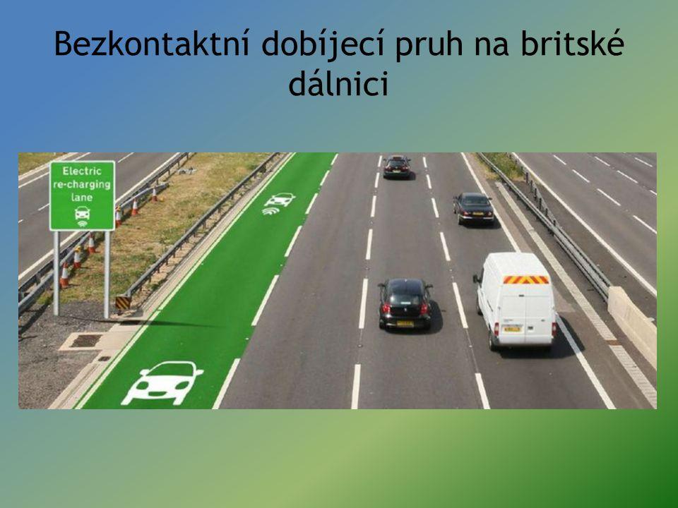 Bezkontaktní dobíjecí pruh na britské dálnici