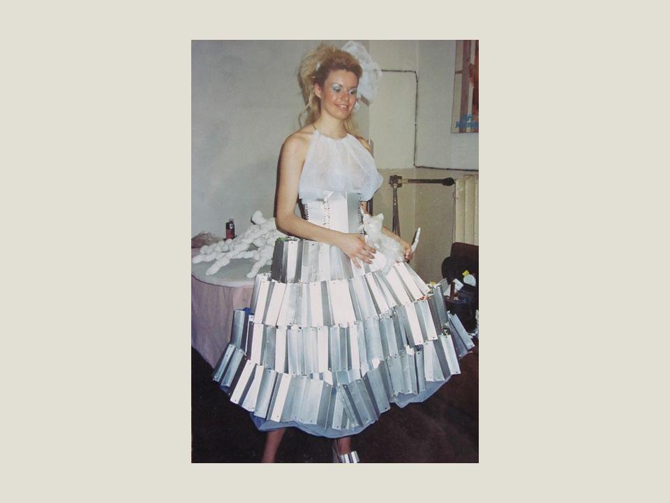 Renesanční oděv v Německu a Čechách Móda nastřihávaného oděvu opanovala celou Evropu.