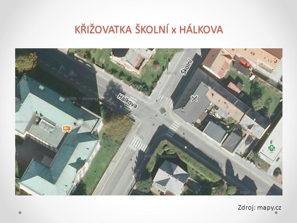 KŘIŽOVATKA ŠKOLNÍ x HÁLKOVA Zdroj: mapy.cz