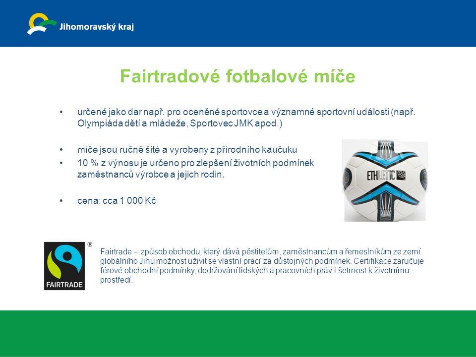 Fairtradové fotbalové míče určené jako dar např.