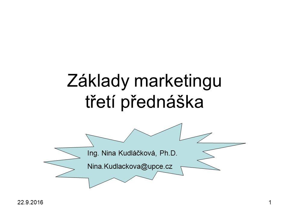 22.9.20162 Úloha marketingu v podniku Prodejní koncepce Marketingová koncepce Důraz kladen na produktDůraz kladen na potřeby zákazníka Produkt je nejdříve vyroben a pak prodán Přes požadavky zákazníků se určuje výroba Orientace na potřeby firmy Rovnováha mezi orientací na zákazníka a vlastními cíli Nerozlišování zákazníkůCílový trh Krátkodobé plánování Dlouhodobé plánování