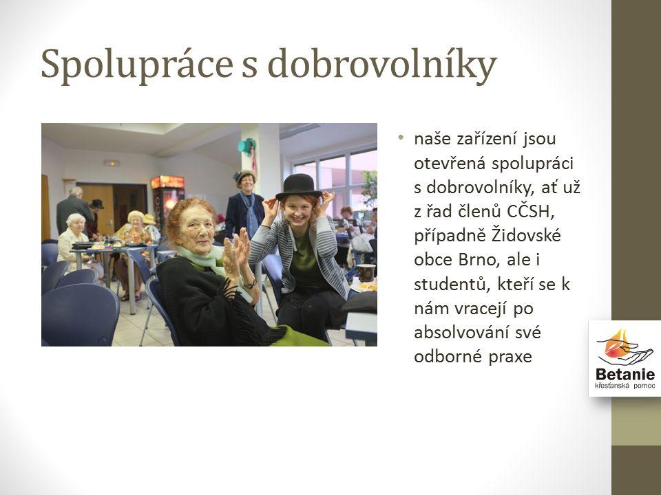 Spolupráce s dobrovolníky naše zařízení jsou otevřená spolupráci s dobrovolníky, ať už z řad členů CČSH, případně Židovské obce Brno, ale i studentů, kteří se k nám vracejí po absolvování své odborné praxe