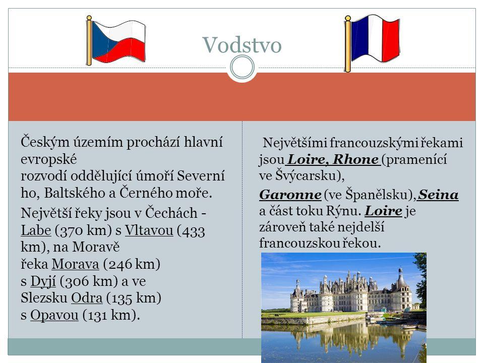 Českým územím prochází hlavní evropské rozvodí oddělující úmoří Severní ho, Baltského a Černého moře. Největší řeky jsou v Čechách - Labe (370 km) s V