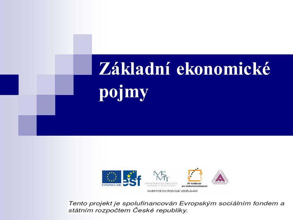 Ekonomické systémy: Zvykový systém Příkazový systém Tržní systém