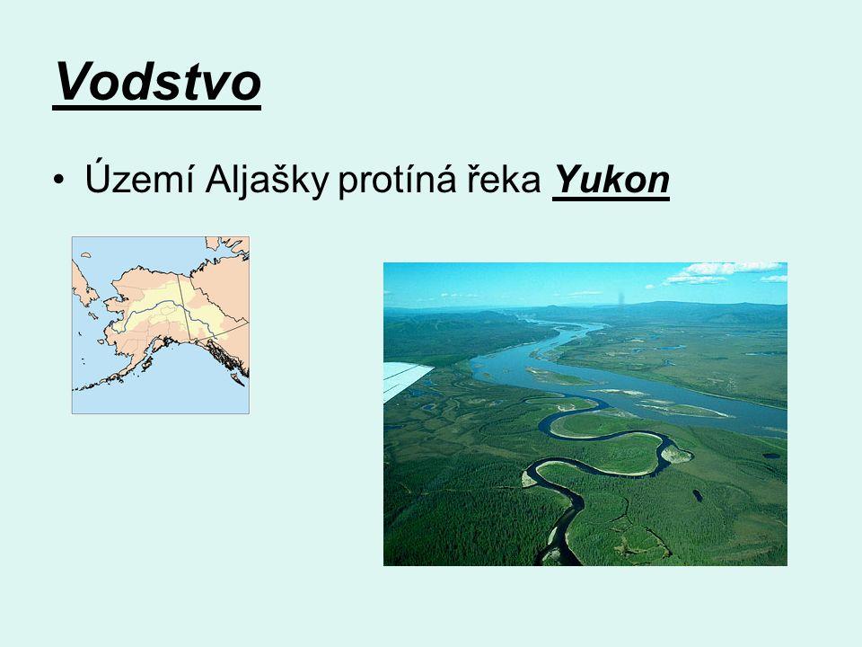 Vodstvo Území Aljašky protíná řeka Yukon