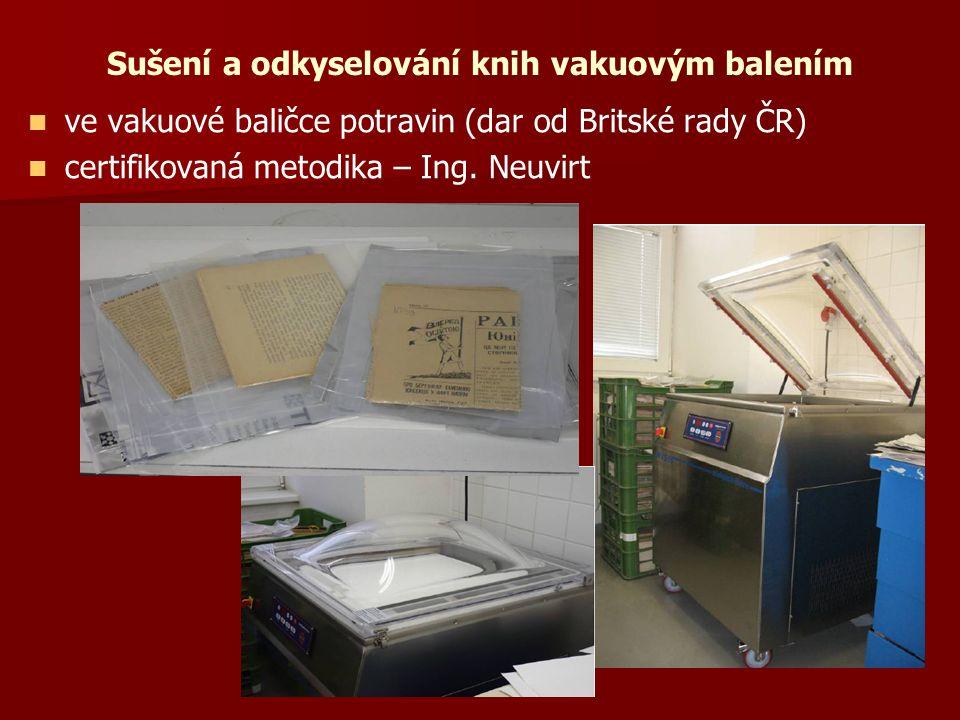 Sušení a odkyselování knih vakuovým balením ve vakuové baličce potravin (dar od Britské rady ČR) certifikovaná metodika – Ing.
