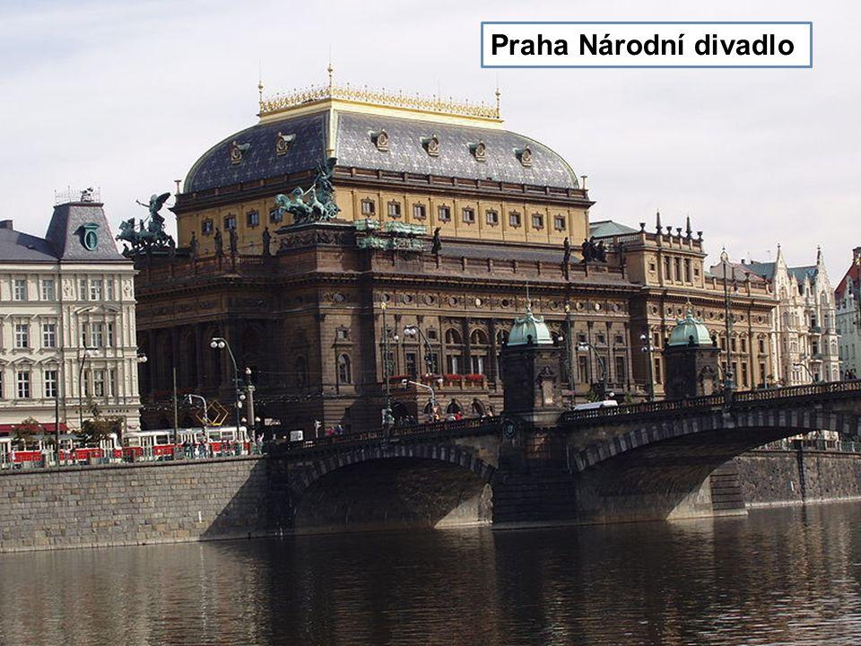 Staroměstský Orloj v Praze socha sv. Václava na Václavském náměstí Praha Národní divadlo