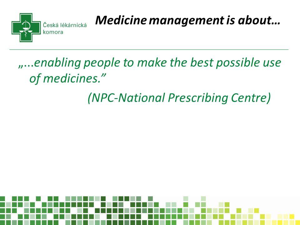 """A SPOONFUL OF SUGAR -správa Kontrolního Úřadu Velké Británie (Audit Commission) z roku 2001 o medicine management v NHS nemocnicích v běžné nemocnici je podáno 7000 jednotlivých dávek denně ( 40% pracovního času sester) Mnoho pacientů pro propuštění z nemocnice neužívá léky tak, jak je doporučeno ( 50% léků ) opakované hospitalizace (17% hospitalizací) Vedlejší účinky a lékové chyby stojí NHS ½ billionu liber ročně Farmaceuti hrají """"centrální roli při poskytování zdravotní péče a optimalizaci terapie, ale jsou """"vzdáleni od tvůrců rozhodnutí a chybí jim přímý vliv na klinický management a péči o pacienta."""