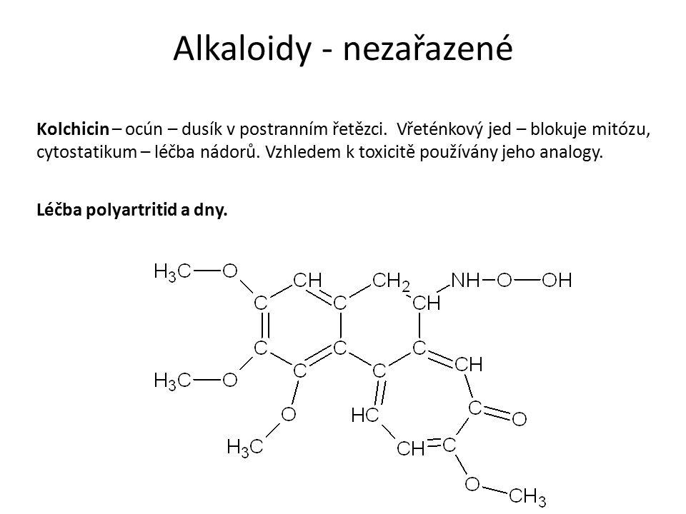 Kolchicin – ocún – dusík v postranním řetězci.