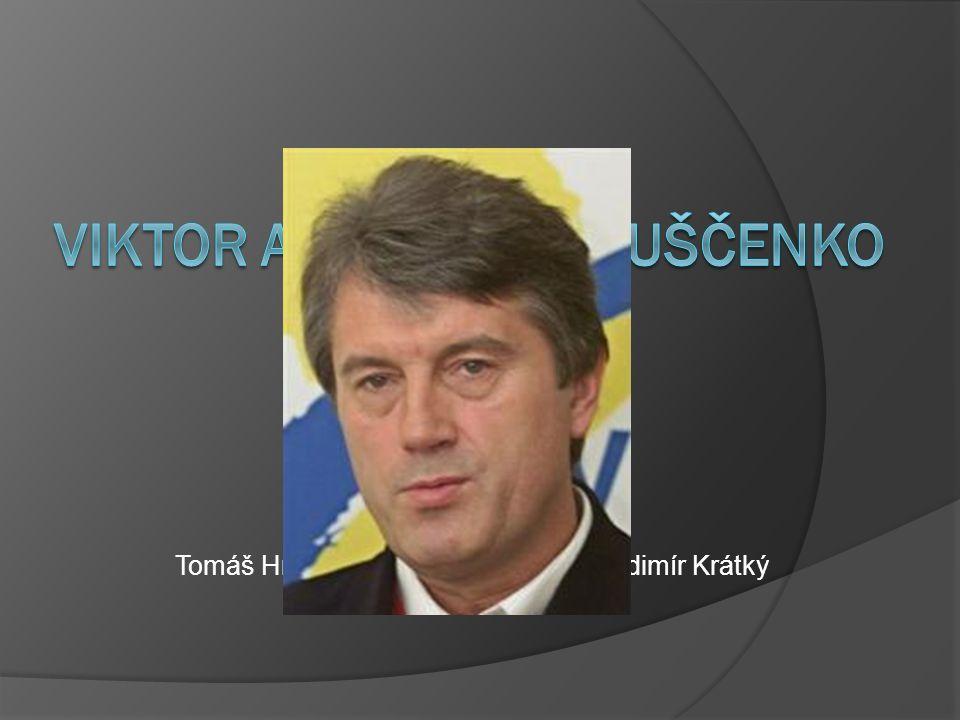 Život v komunismu  Narodil se roku 1954 v obci Choružikva na Ukrajině  Vystudoval finanční a ekonomický institut  Rok na vojně  Pracoval jako zástupce účetního v kolchoze  Nastoupil jako ředitel do Státní banky a Zemědělsko-průmyslové banky  Politicky činný v Komunistické straně