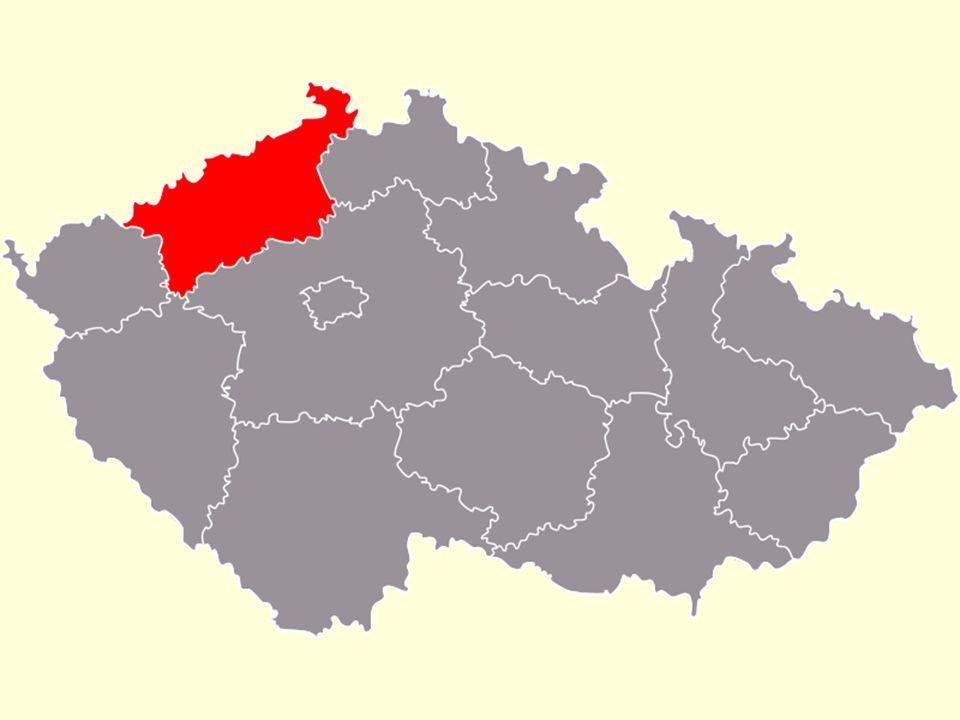 Poloha a rozloha Ústeckého kraje SZ Čech, na hranicích se SRN Sousedí s kraji Libereckým, Středočeským, Plzeňským a Karlovarským Plocha 5 335 km 2 854 011 obyvatel