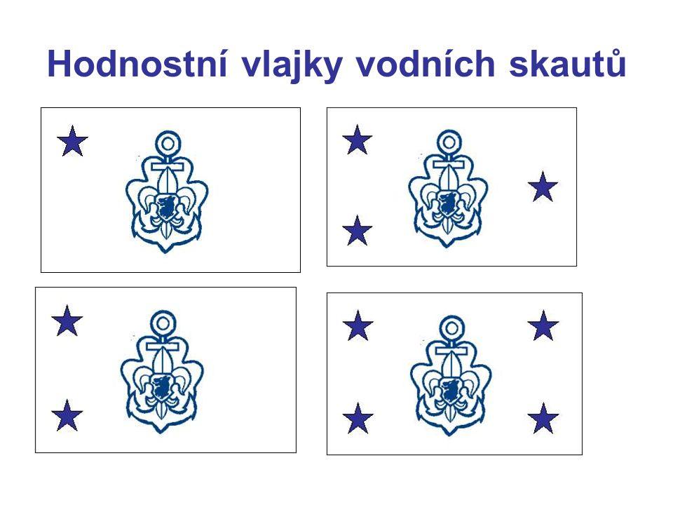 Prapory vodních skautů Pro lepší identifikaci oddílu VS je možné používat prapory na žerdi s listem v podobě oddílové vlajky doplněné na líci listu v levém horním rohu názvem obce (lokality) oddílu a v pravém dolním cípu zkratkou s číslem oddílu (např.