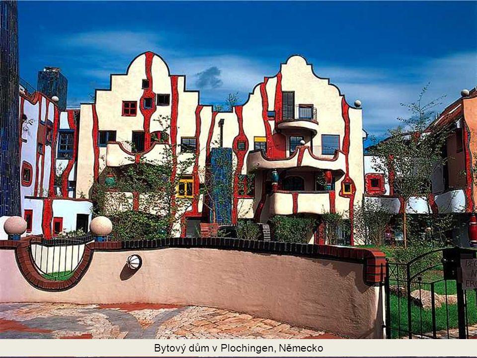 Vídeňský dům umění je muzeum projektované Friedensreichem Hundertwasserem.