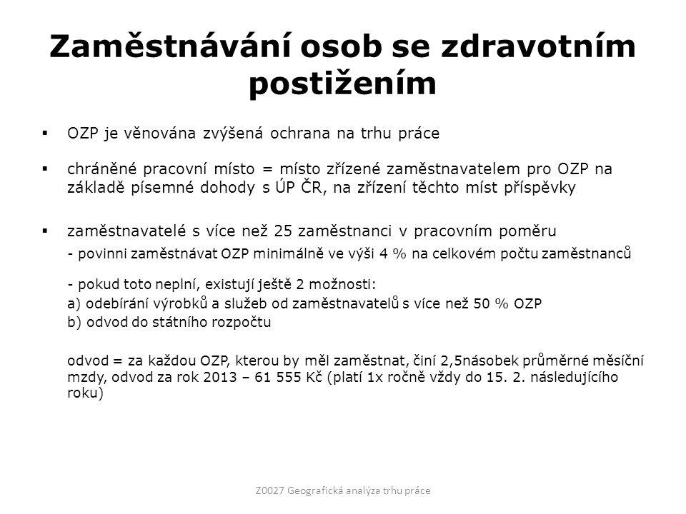 Zaměstnávání osob se zdravotním postižením  OZP je věnována zvýšená ochrana na trhu práce  chráněné pracovní místo = místo zřízené zaměstnavatelem pro OZP na základě písemné dohody s ÚP ČR, na zřízení těchto míst příspěvky  zaměstnavatelé s více než 25 zaměstnanci v pracovním poměru - povinni zaměstnávat OZP minimálně ve výši 4 % na celkovém počtu zaměstnanců - pokud toto neplní, existují ještě 2 možnosti: a) odebírání výrobků a služeb od zaměstnavatelů s více než 50 % OZP b) odvod do státního rozpočtu odvod = za každou OZP, kterou by měl zaměstnat, činí 2,5násobek průměrné měsíční mzdy, odvod za rok 2013 – 61 555 Kč (platí 1x ročně vždy do 15.