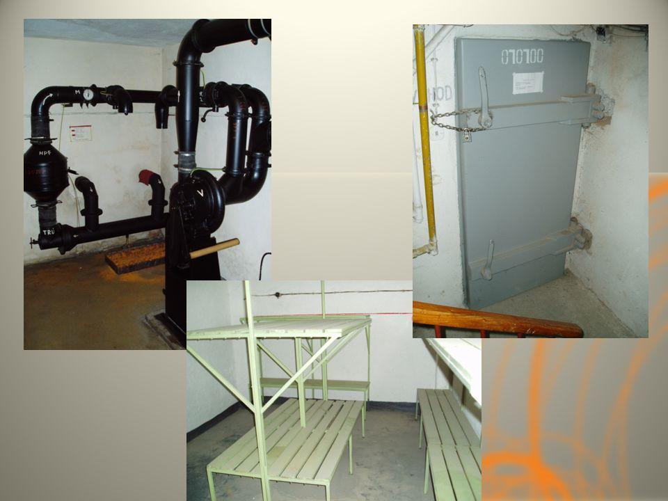 Stálé úkryty trvalé ochranné prostory v podzemní části staveb, nebo samostatně stojící jsou využívány v případě stavu ohrožení státu a v době válečnéh