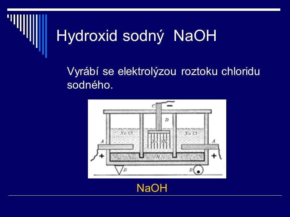 Hydroxid vápenatý Ca(OH) 2  známý pod názvem hašené vápno  bílá pevná látka  méně rozpustný ve vodě  žíravina !