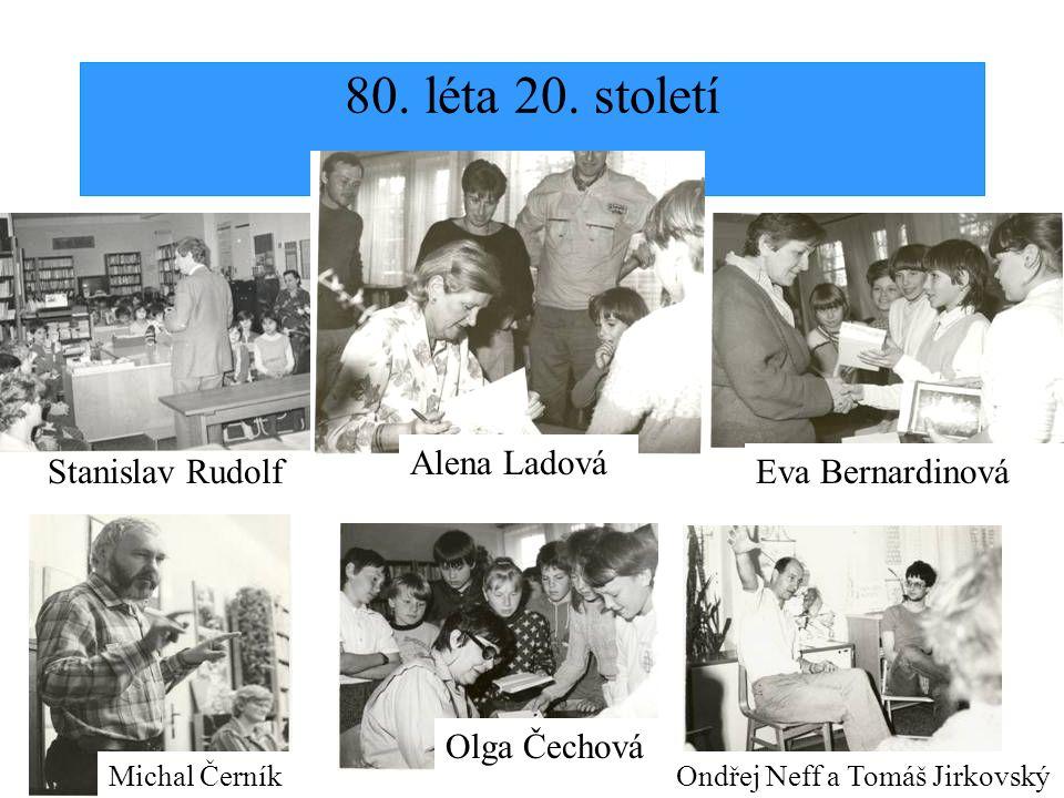Dny otevřených dveří a výstavy prací čtenářů pořádá knihovna od roku 1997, v rámci Týdne knihoven, který každoročně vyhlašuje Sekce veřejných knihoven při Svazu knihovníků a informačních pracovníků ČR.