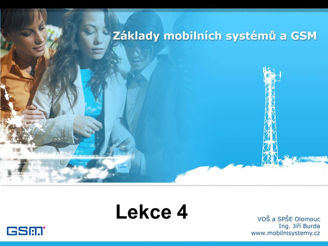 Vývoj GSM I ● 1982 – CEPT zakládá skupinu GSM (Groupe Spécial Mobile) jejímž úkolem je navrhnout panevropský systém s následujícími kritérii: – kvalitní přenos lidské řeči – digitální ISDN kompatibilní síť – maximalizace kapacity sítě ve frekvenčním pásmu – mezinárodní kompatibilita a podpora roamingu – podpora moderních služeb (ISDN) – nízká cena mobilních stanic a služeb – možnost minimalizace mobilních přístrojů – minimalizace příkonu (napájení z baterií) ● 1986 – testy technologií digitálního vysílání v Paříži (TDMA a FDMA) ● 1987 – 12 zemí sepsalo memorandum o technologii GSM (MoU)