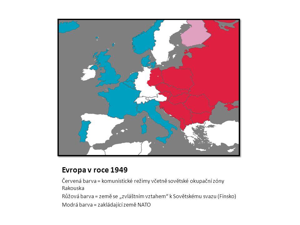 """Evropa v roce 1949 Červená barva = komunistické režimy včetně sovětské okupační zóny Rakouska Růžová barva = země se """"zvláštním vztahem k Sovětskému svazu (Finsko) Modrá barva = zakládající země NATO"""