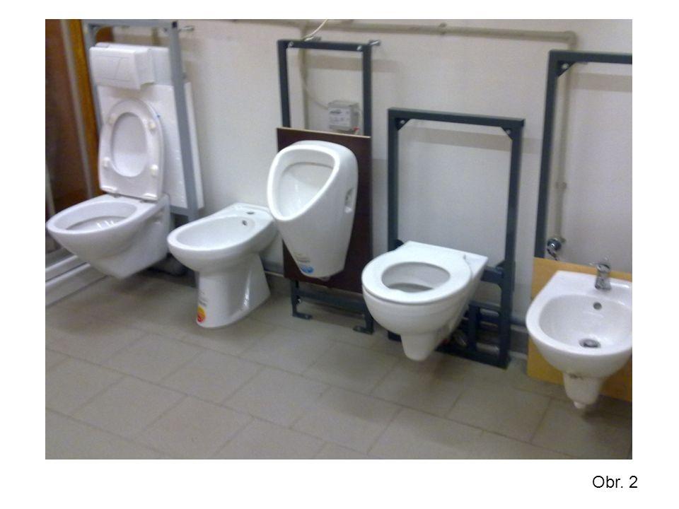WC sestava – tato sestava je tvořena obvykle mísou klozetu a splachovacím ústrojím.