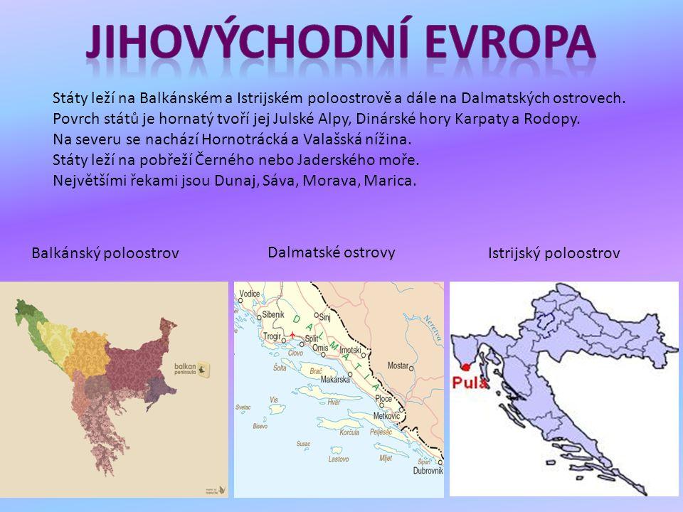 Státy leží na Balkánském a Istrijském poloostrově a dále na Dalmatských ostrovech. Povrch států je hornatý tvoří jej Julské Alpy, Dinárské hory Karpat