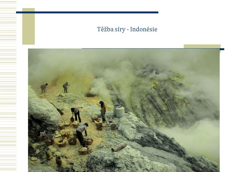 Těžba síry - Indonésie