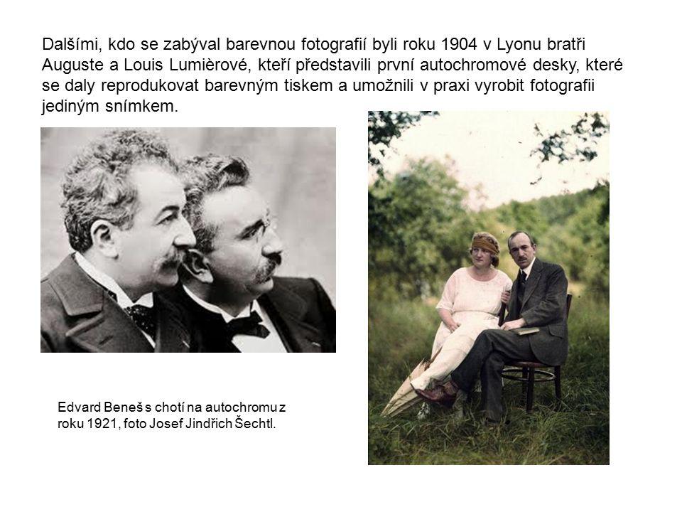 Dalšími, kdo se zabýval barevnou fotografií byli roku 1904 v Lyonu bratři Auguste a Louis Lumièrové, kteří představili první autochromové desky, které