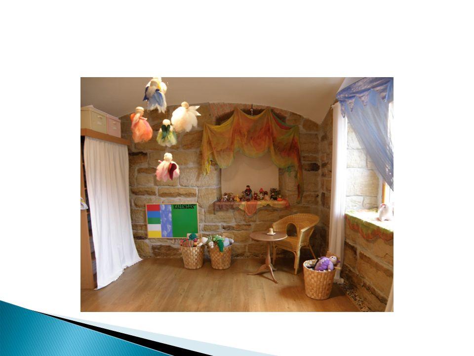 Základní cíle výchovy a vzdělávání Cílem waldorfské pedagogiky je vychovávat v dětech všestranně a harmonicky rozvinutou osobnost.
