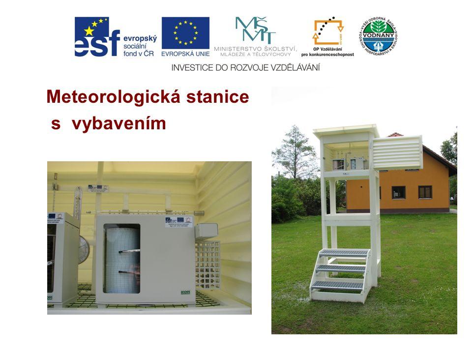 Meteorologická stanice s vybavením