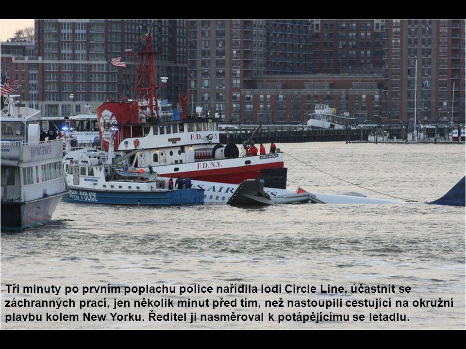 Tři minuty po prvním poplachu police nařídila lodi Circle Line, účastnit se záchranných prací, jen několik minut před tím, než nastoupili cestující na