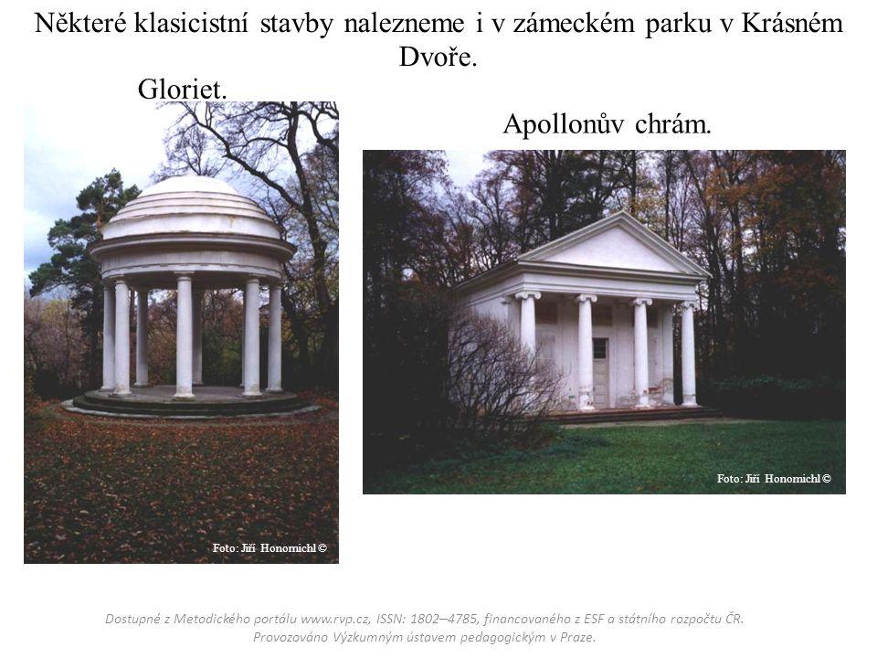 Některé klasicistní stavby nalezneme i v zámeckém parku v Krásném Dvoře.