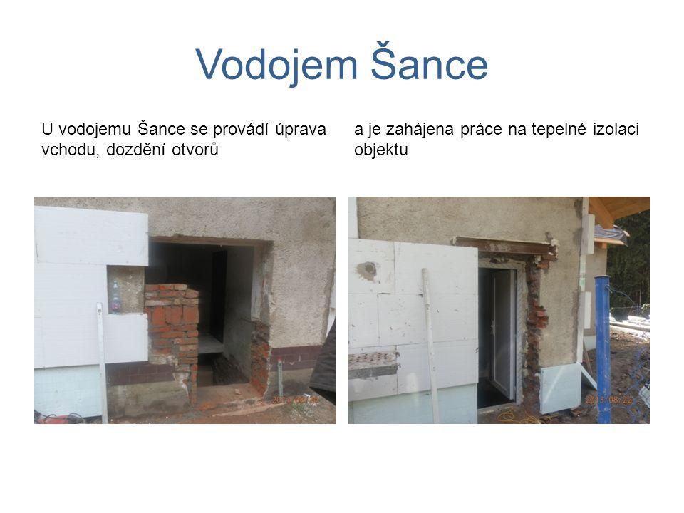Vodojem Šance U vodojemu Šance se provádí úprava vchodu, dozdění otvorů a je zahájena práce na tepelné izolaci objektu