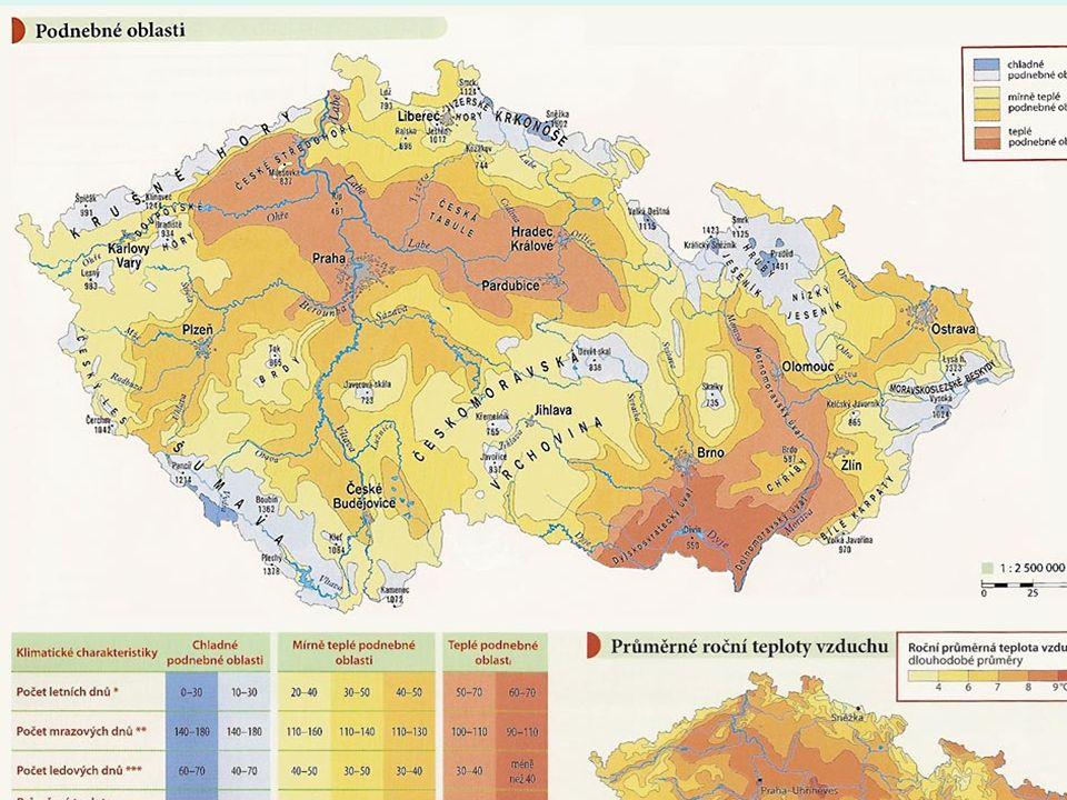 SRÁŽKY průměrné roční množství srážek je 720 mm, maximum je v létě a minimum v zimě nejdeštivější oblasti jsou Jizerské hory ( 1700 mm/rok ), Moravskoslezské Beskydy ( 1532 mm/rok ), Šumava ( 1500 mm/rok ) a Hrubý Jeseník ( 1474 mm/rok ) nejsušší oblasti leží v dešťovém stínu Krušných hor ( Žatecko, Kladensko, Podřípsko ), kde je roční úhrn srážek pod 450 mm denní maximum srážek 345 mm bylo naměřeno 29.7.1897 v Jizerských horách