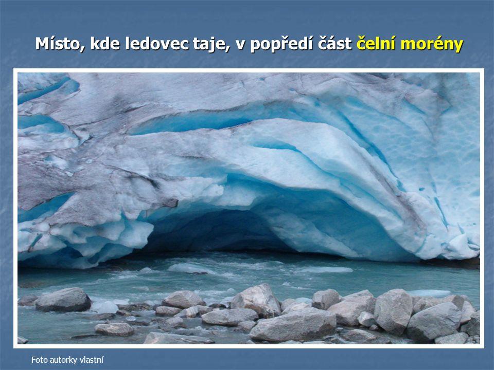 Místo, kde ledovec taje, v popředí část čelní morény Foto autorky vlastní