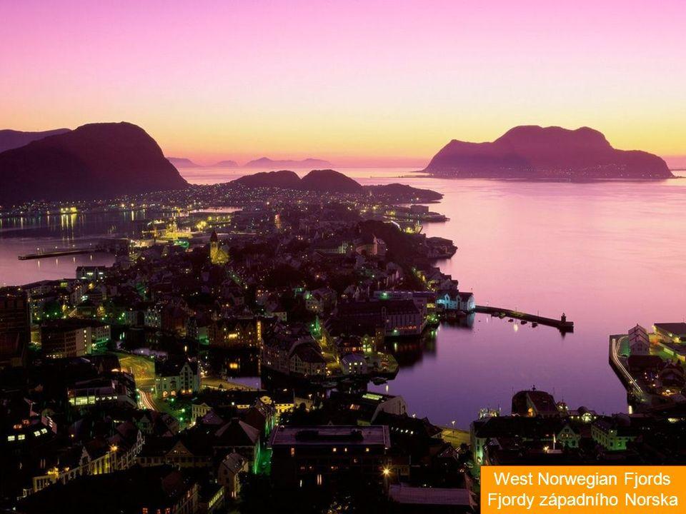 Jako světové dědictví se označují nejrůznější kulturní a přírodní památky po celém světě, které byly pro svou unikátnost vybrány organizací UNESCO a přijaty na tzv.