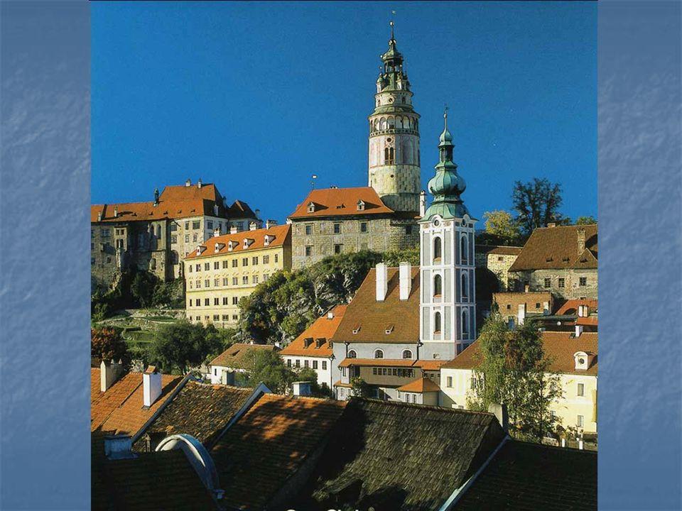 Historické jádro Českého Krumlova v jižních Čechách v pochází ze 13.